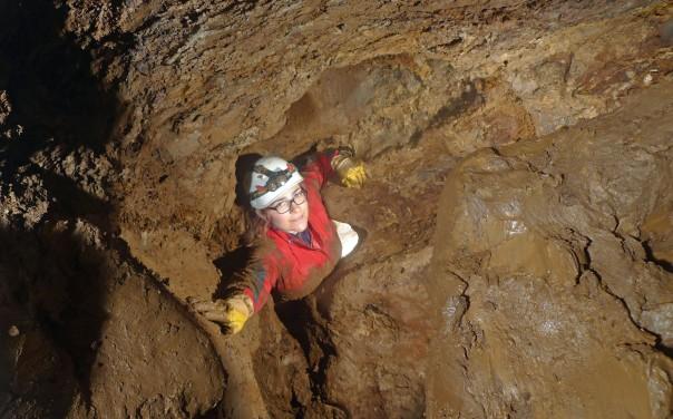 150530Hardthöhle-Tiefe844b
